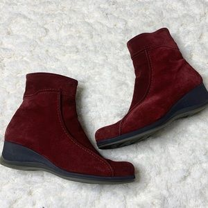 La Canadienne Red Suede Ankle Booties